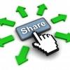 Consommateurs opinions de médias sociaux qui influencent les perceptions de la marque